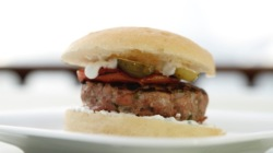 hamburger di maiale con yogurt greco